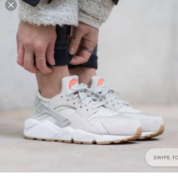 29441425a820 Women s Nike air huarache run txt light bone. M 5aa60e843316270f0d115f4f